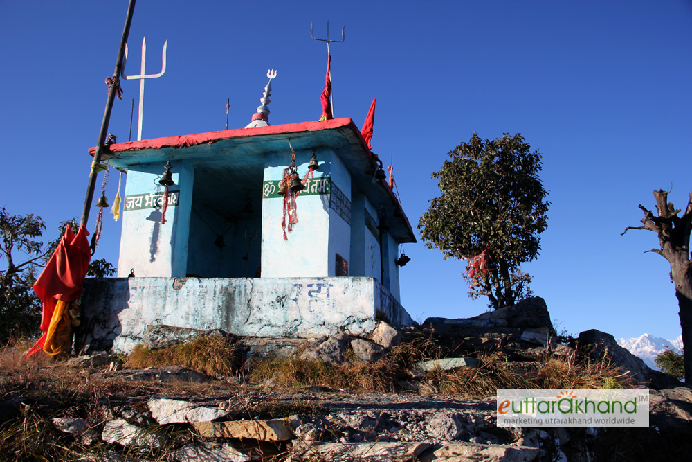 Bhairon Mandir on the trek route