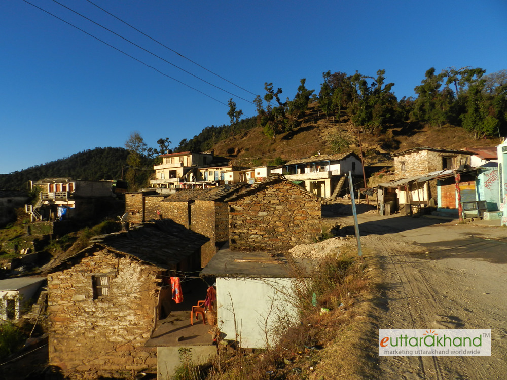 Kanakchauri Village (on Rudraprayag-Pokhri Road)