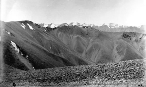 Panorama 65 snowy peaks NW of Nilang as seen from the Tsang Tsok La in Hundes 1882