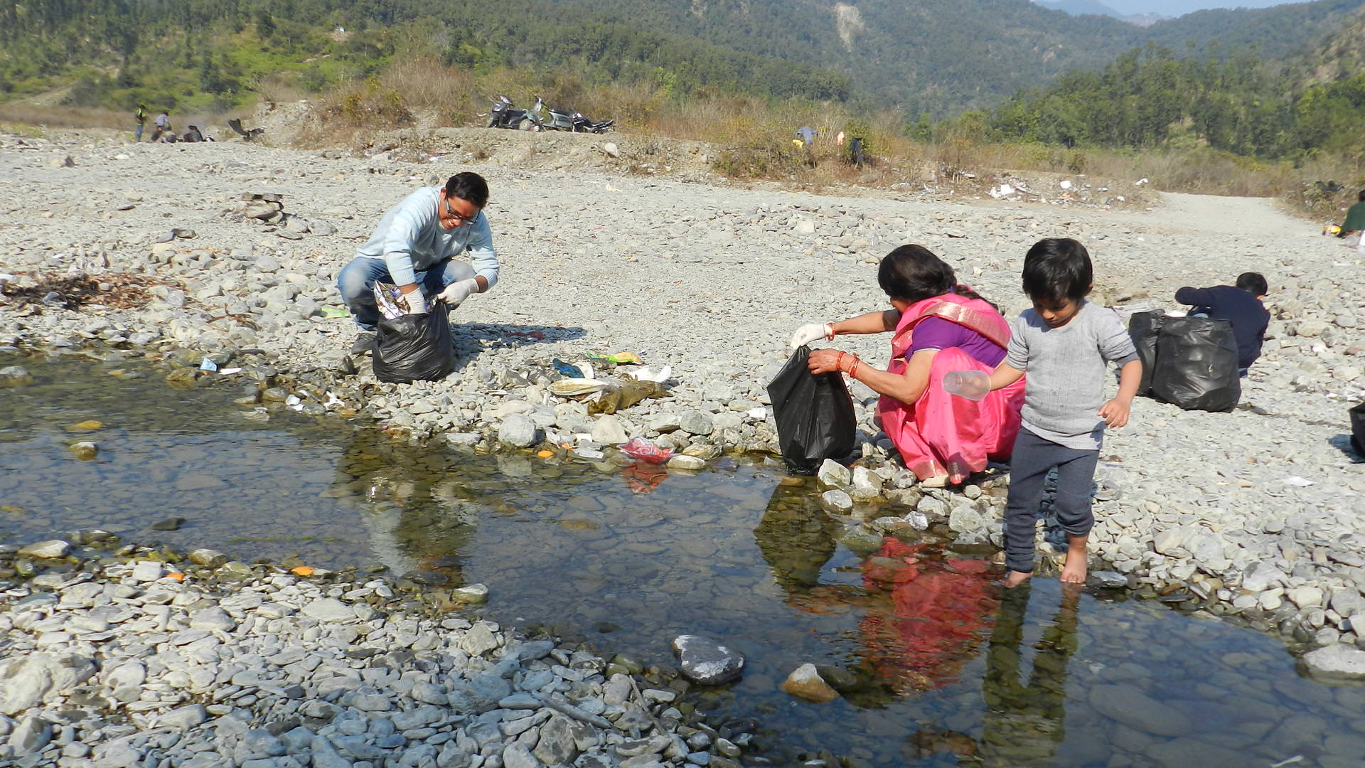 River Nun Clean-Up Drive by eUttaranchal
