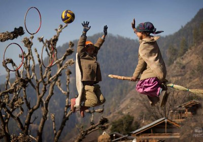 Little Harry Potter fans at Kalap Village of Uttarkashi recreated magic by playing Quidditch